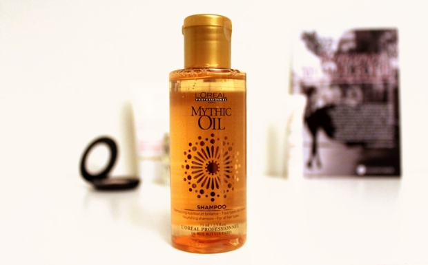 06-glossybox-nov2013-shampooing-mythic-oil-loreal copie