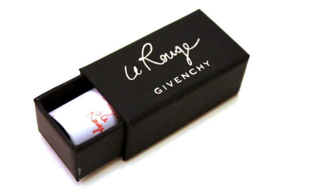 08-glossybox-decembre2013-lerouge-givenchy copie