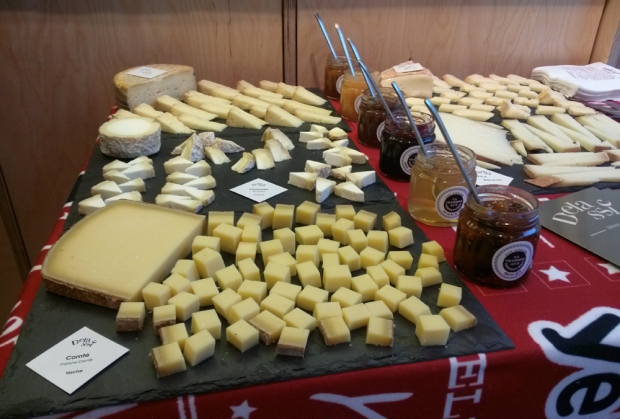 soiree-yelp-elite-lachambreauxconfitures-lille-plateaufromages