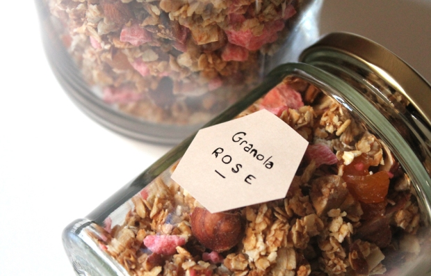 granola-pepites-pralines-roses-labonnebox-avril2015 copie